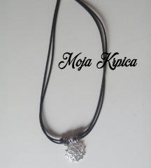 Yoga meditation black silver flower ogrlica