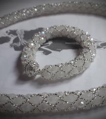 RASPRODAJA srebrno - beli umrezeni set