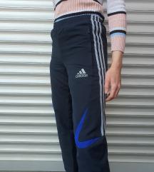 Adidas donji deo trenerke
