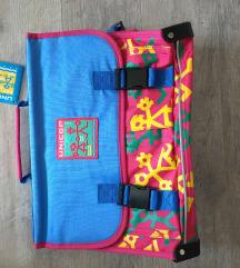 Nova školska torba sa etiketom