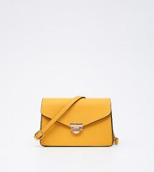 Moderna nova torba sa etiketom