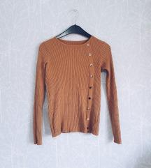 Džemper sa zlatnim nitnama