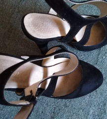 Polu otvorene sandale