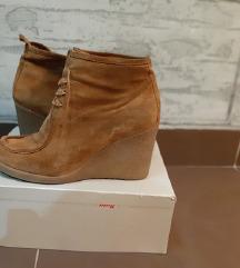 Bata kozne poluduboke cipele
