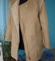 jaknica s dva lica M