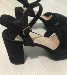 Crne plisane sandale 39