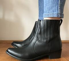 Nove Esprit cizme  snizene na 3000