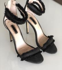 Crne sandala štikla