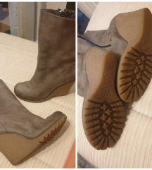 Čizme- futrovane, ortopedska peta