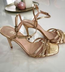 Zara zlatne sandale 💛 snizeno 3800