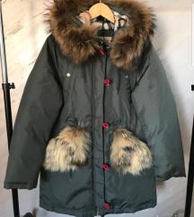 HITNO Burberry jakna SNIZENA 9500!