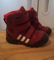 Adidas čizme za sneg br 26 praktično nove