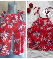Crvena bluza cvetna crop