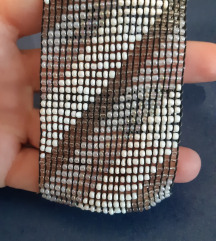 Rastegljiva narukvica od perlica