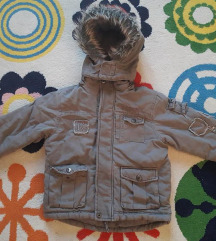Zimska jakna sa krznom. Vel. 4 god.