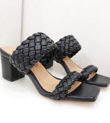 Papuče 🖤 SNIŽENJE 1900 DIN ☺️
