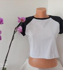 FB SISTER crno bela kratka majica vel S