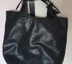 Elegantna crna torba