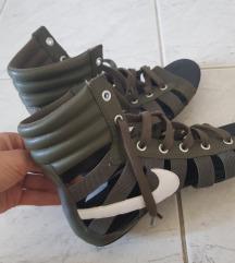 Nike rimljanke