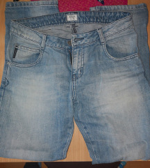 Armani Jeans farke