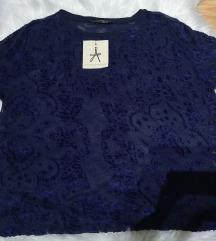 Majica sa etiketom