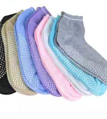 Čarape sa neklizajućim gazištem