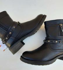 Čizme sa nitnama- nove sa etiketom