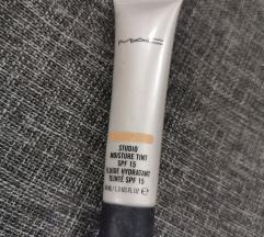 MAC moisture tint medium