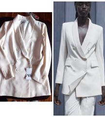 Zara beli sako, nov sa etiketom