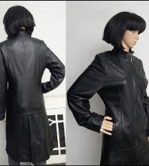 Kozni mantil postavljen vintage