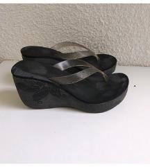 Grendhar papuce japanke platforma 37/38