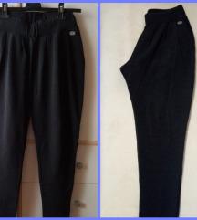 crne pantalone sa đžepovima NOVO
