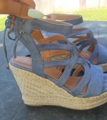 Ženske sandale sa punom petom