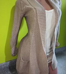 Prelep krem džemper/kardigan