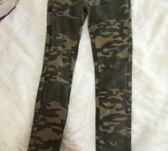 Vojničke pantalone 27 veličina