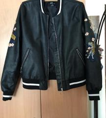 FBsister jaknica