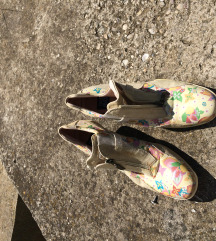 Cvetne cipelice 40