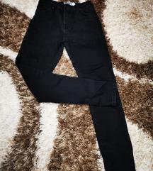 Crne pantalone duboki struk