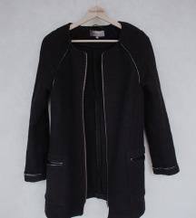 Crni vuneni kaput S SADA 3.990!