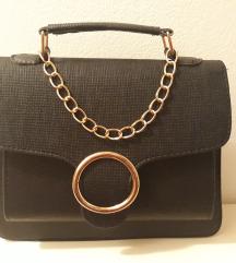 NOVA kozna crna torbica