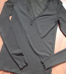 Nova H&M crna majica sa cipkom oko vrata