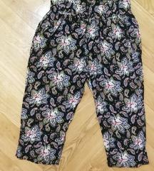 Šarene kratke letnje pantalone