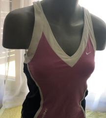 Nike sport majica novo S