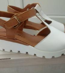 NOVE kožne sandale Fratelli 41