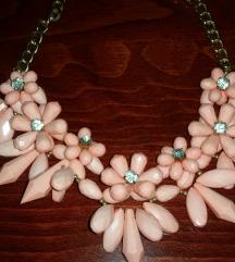 *roza ogrlica*