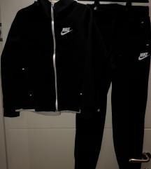 Nova Zenska Nike Trenerka