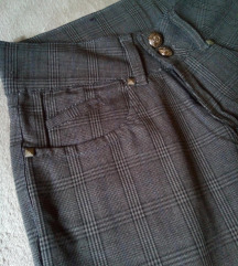 Karirane pantalone prelepe i moderne