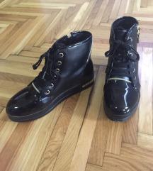 Crne zimske patike/cizme