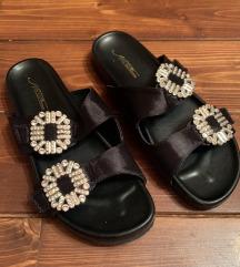 SNIŽENJE: Papuče sa broševima-2000fin