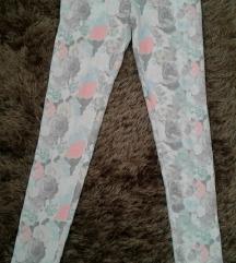 Cvetne helanke pantalone- H/M